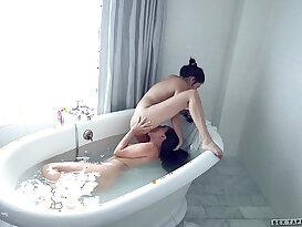 Shyla Jennings and Jenna Sativa at Sextape Lesbians
