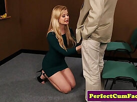 Portugeuse blond gives good head