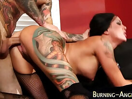 Tattooed babe in stockings cunt fucked