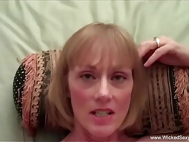 Son pays mommy for sex