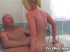Grandpa fucks blonde hottie in bath