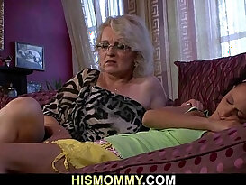 Horny mommy wants to eat her pussy