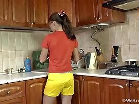 Küche XnXX Videos