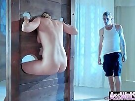 Kate England Superb Girl fucked With huge Round Big Ass Get Analy Nailed clip