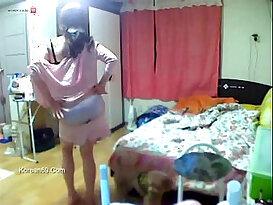 Korean Girl get punish with Lovely Diva Naked Video