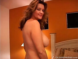 Naughty sexy MILF masturbates with her wet pussy and blows the cameraman